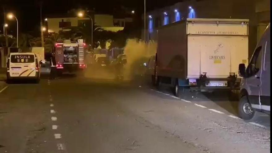 Los bomberos extinguen varios incendios en Las Palmas de Gran Canaria