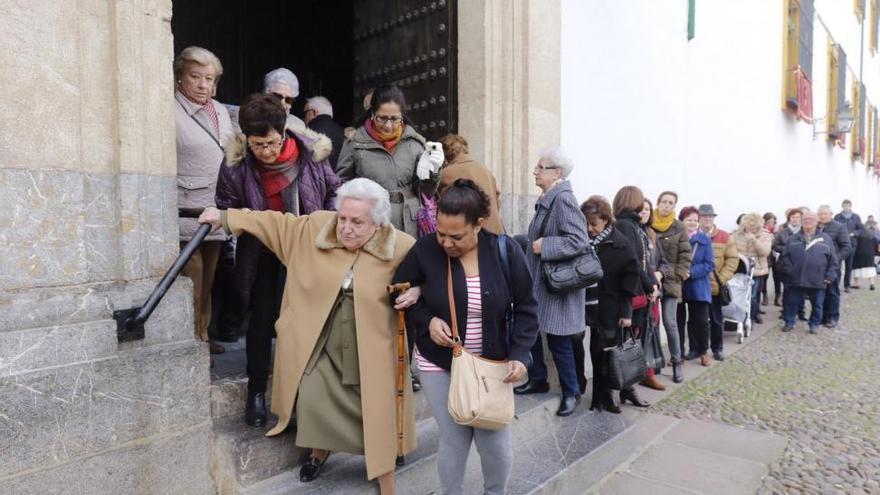 Semana Santa en Córdoba: vallas, toma de temperatura y control de aforo en los templos