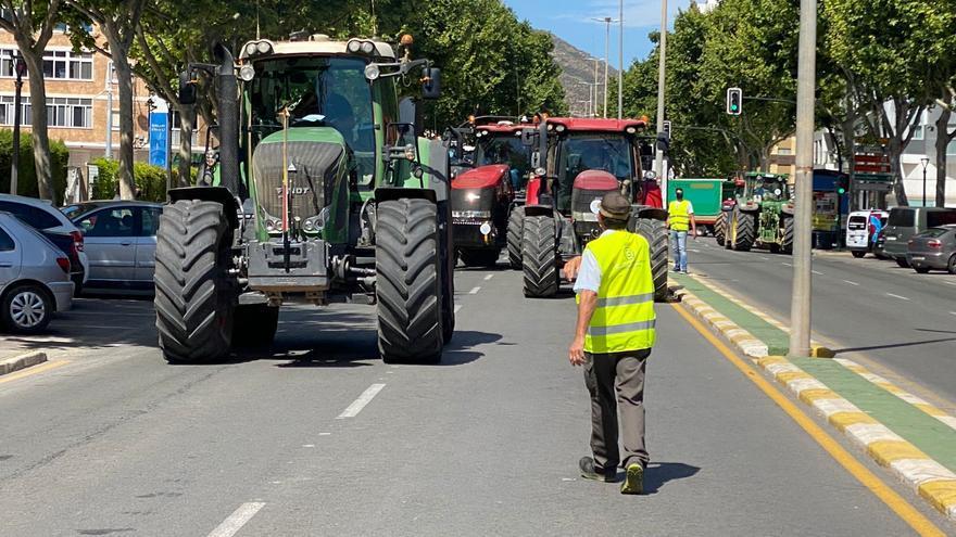 'Tractorada' en Cartagena en defensa del trasvase Tajo-Segura