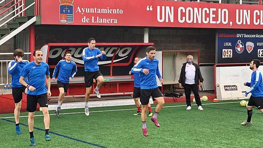 El Llanera busca campo para la Copa