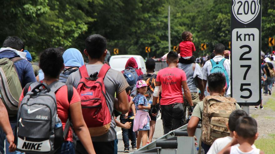 Una caravana de migrantes se prepara para cruzar México