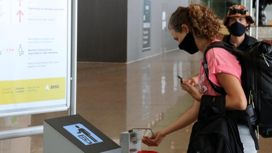 Gairebé tots els països Schengen desaconsellen als seus ciutadans viatjar a Espanya