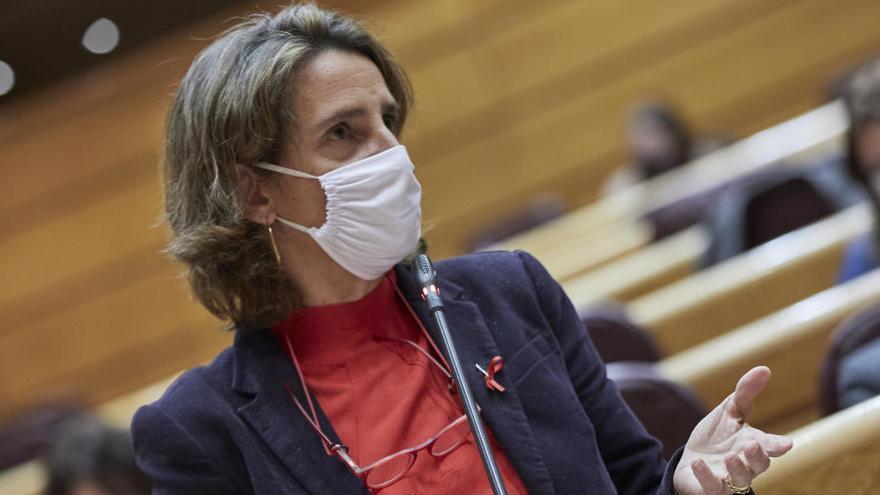 """Ribera explorará """"mecanismos colchón"""" para mitigar picos altos en el precio de la luz"""