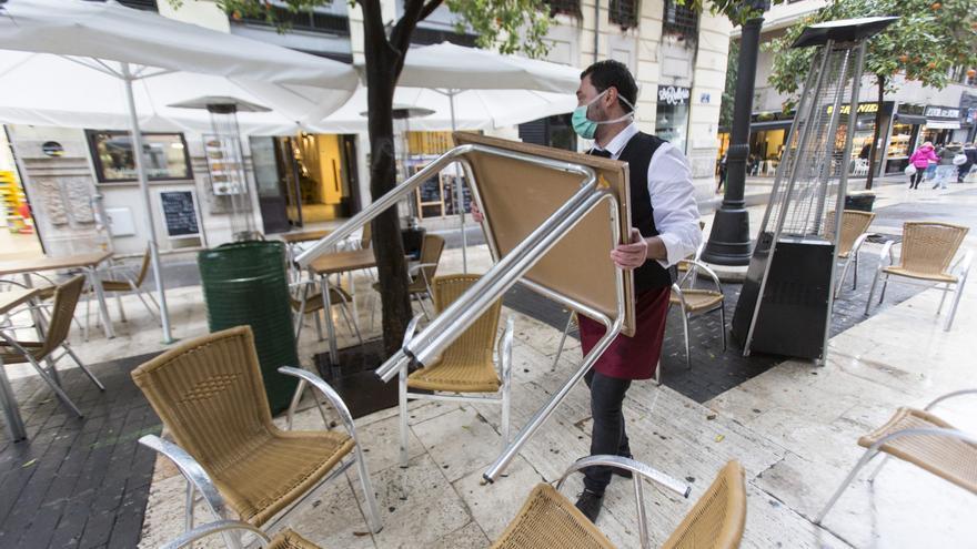 La Generalitat ultima reabrir las terrazas desde el próximo lunes en horario reducido