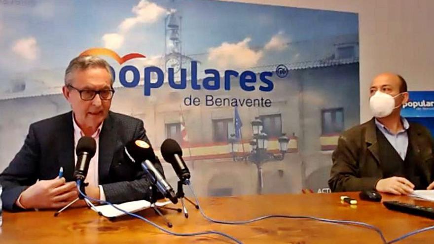 """PP y C's en Benavente defienden su comisión extraordinaria """"por transparencia"""""""
