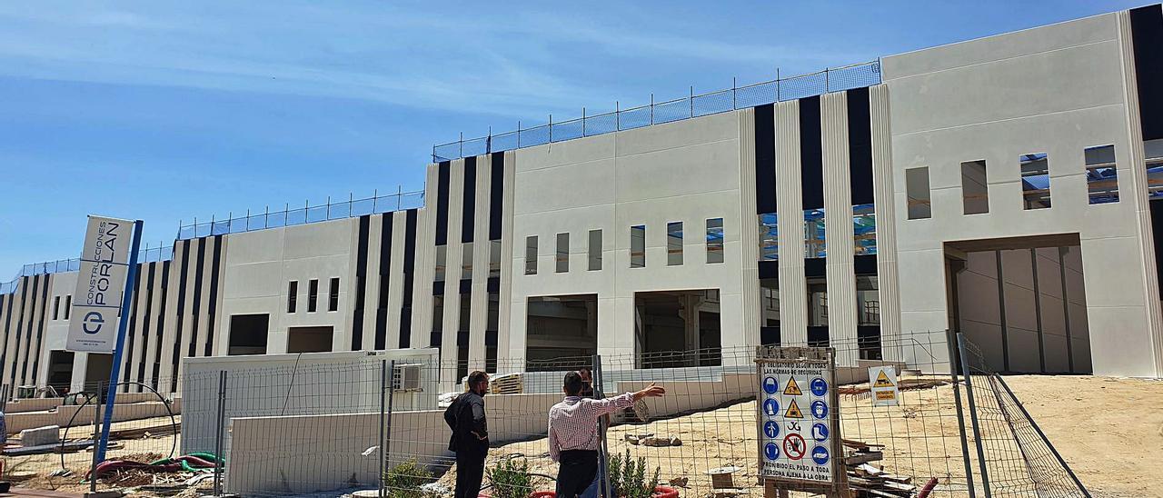 Estado de las obras de la nueva planta de Little en el polígono de Mos. | MARTA G. BREA