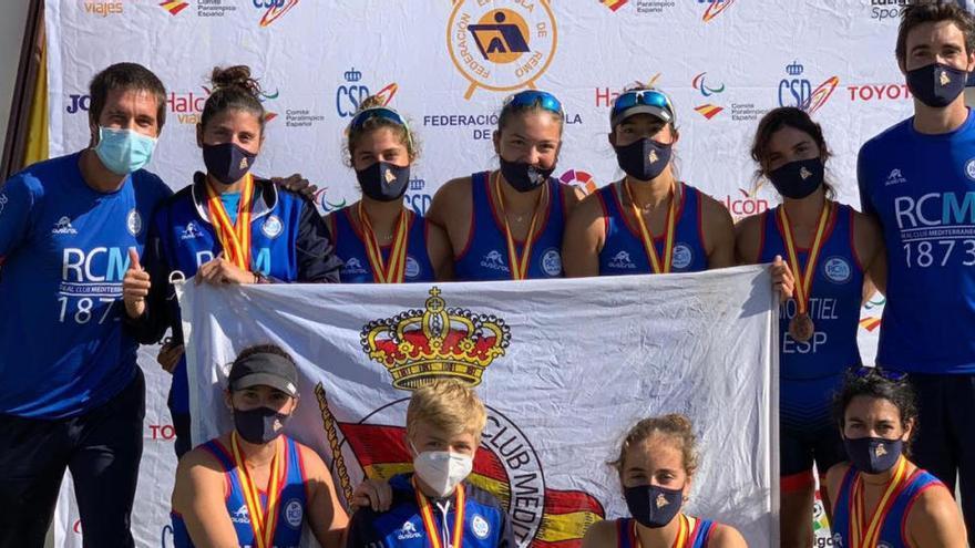 El Remo Olímpico del Real Club Mediterráneo consigue una plata y cuatro bronces en el Campeonato de España