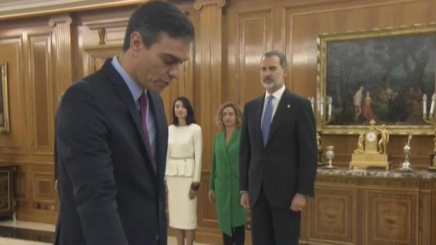 Sánchez pren possessió del càrrec davant el rei Felip VI