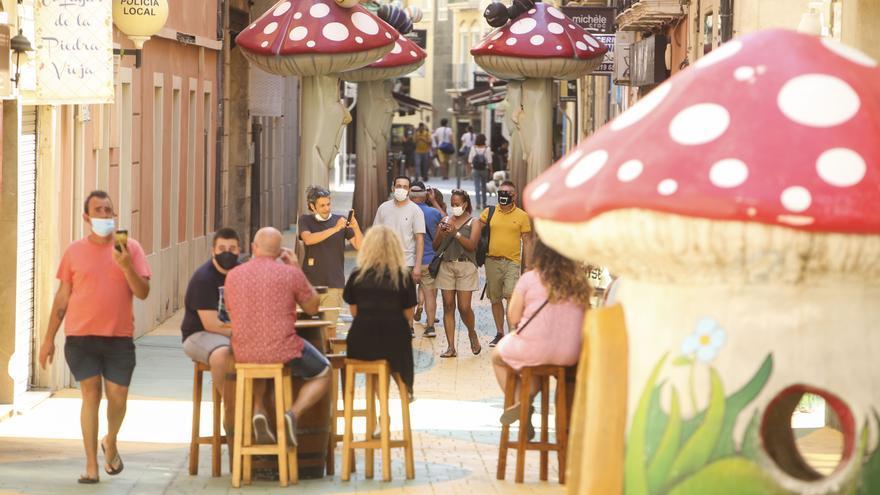 """La calle de las setas de Alicante se viraliza en el extranjero: """"Mushroom Street"""""""