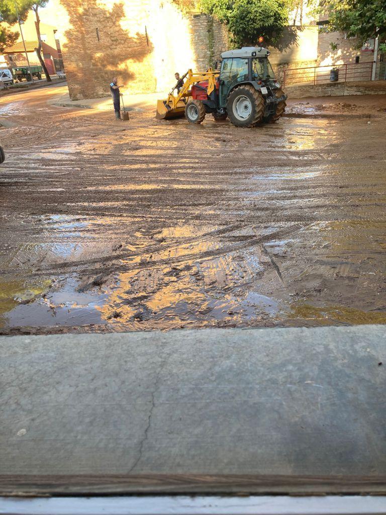 Un tractor atascado en Cariñena