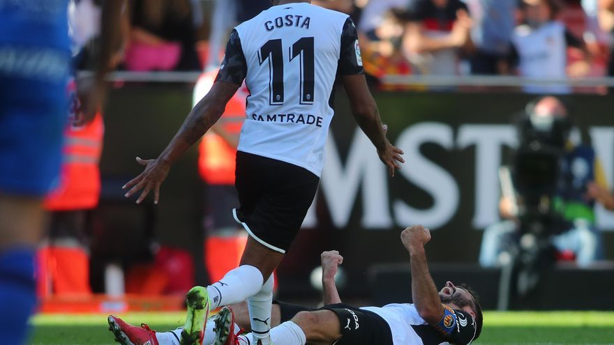 Hélder Costa pide paso