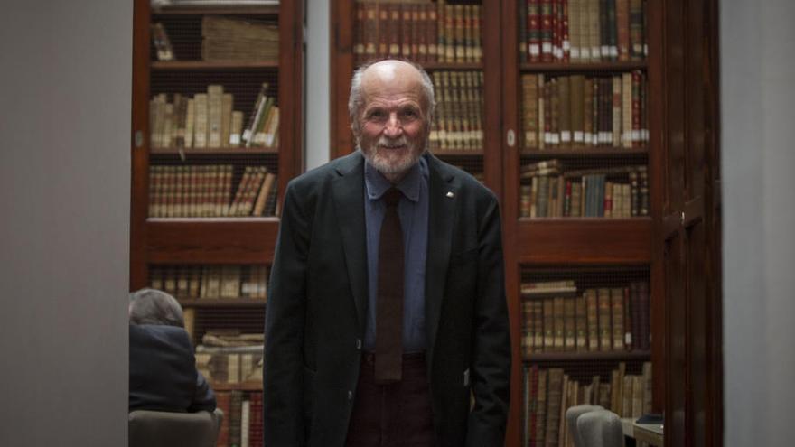 """López: """"La raza humana aumenta y algún día se acabarán las sardinas"""""""
