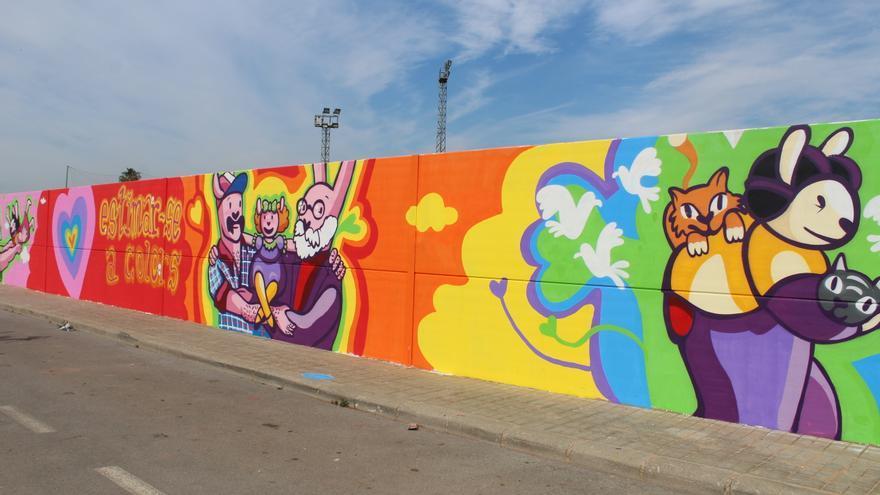 Nules reivindica la diversidad familiar con un grafiti