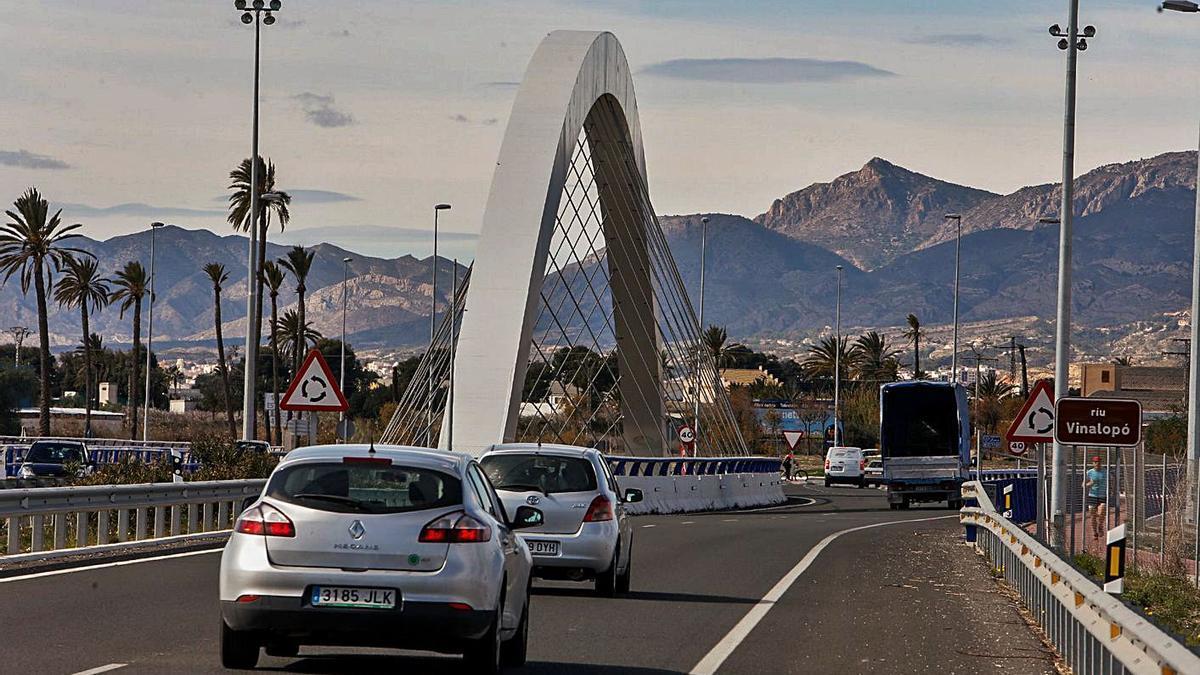 El puente de la Ronda Sur, donde está pendiente la ejecución de la segunda fase. | ANTONIO AMORÓS