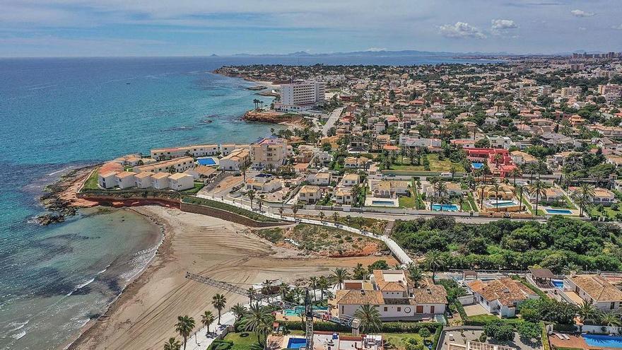 La Generalitat abre la puerta a legalizar 75.402 casas construidas en suelo rural en la provincia de Alicante