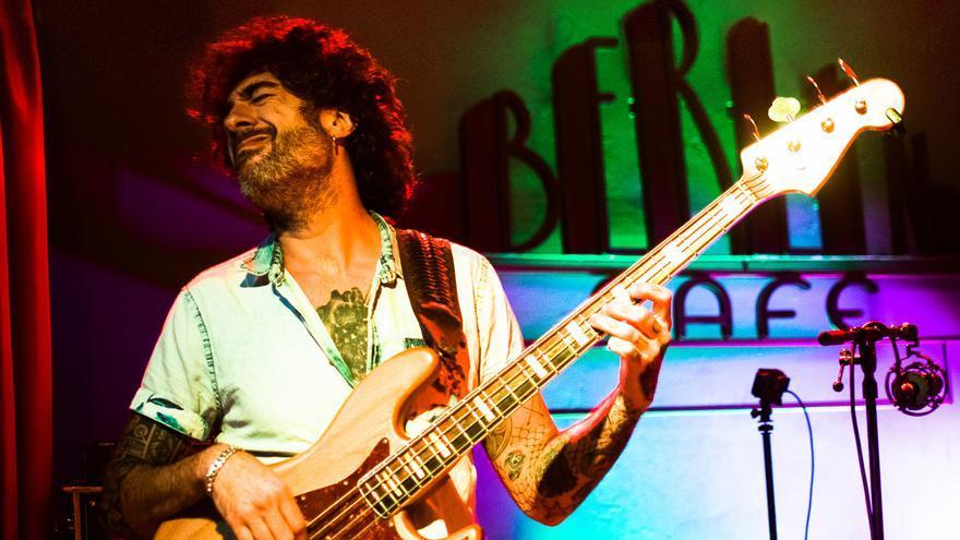 El bajista Fernando Lamadrid ofrece tres masterclasses y un concierto programados por Mousikê