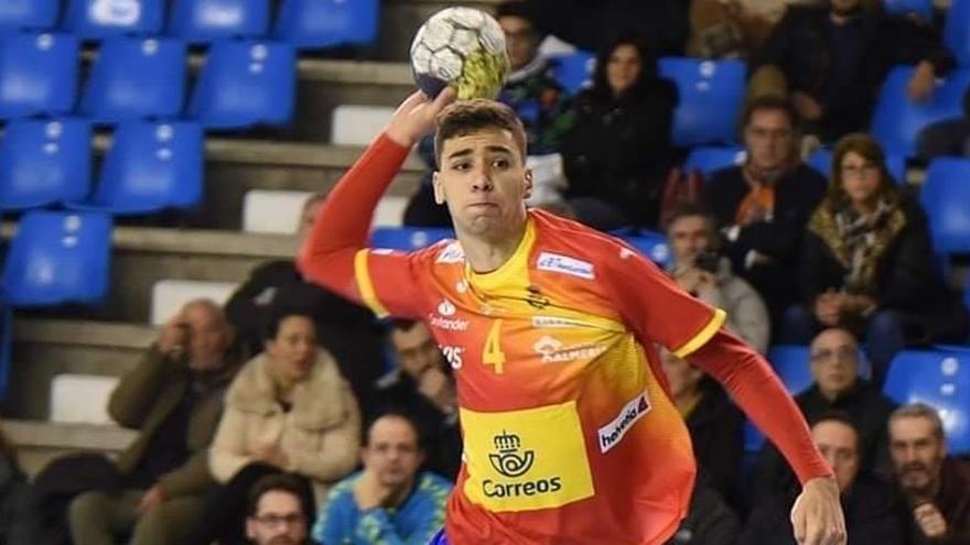 Mario Dorado, primer fichaje del Balonmano Benidorm