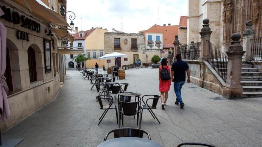 Castilla y León cierra hostelería y centros comerciales