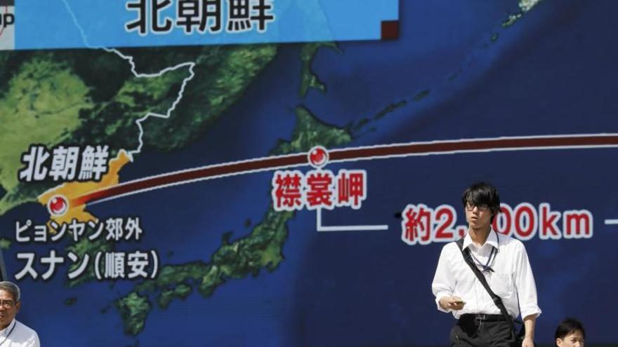Corea del Nord llança un nou míssil que sobrevola el Japó