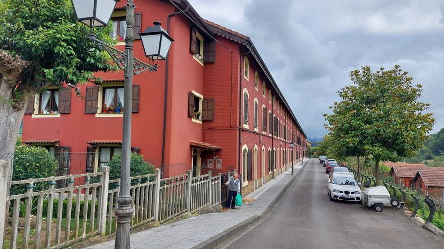 Así es el poblado minero de Solvay, la pequeña ciudad que los belgas edificaron en Lieres hace más de un siglo