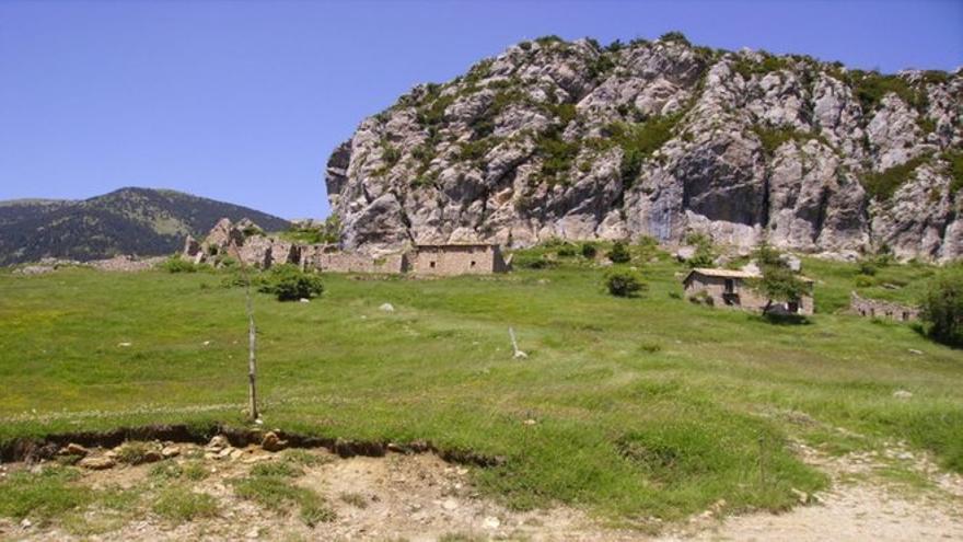 Peguera, el pueblo abandonado que nadie quiere comprar