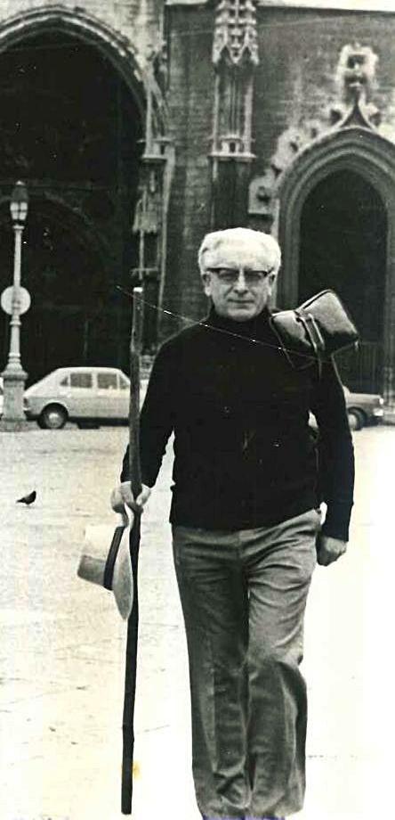 Herbert Simon, el 1 de julio de 1980, iniciando el Camino en Oviedo. | L. S.