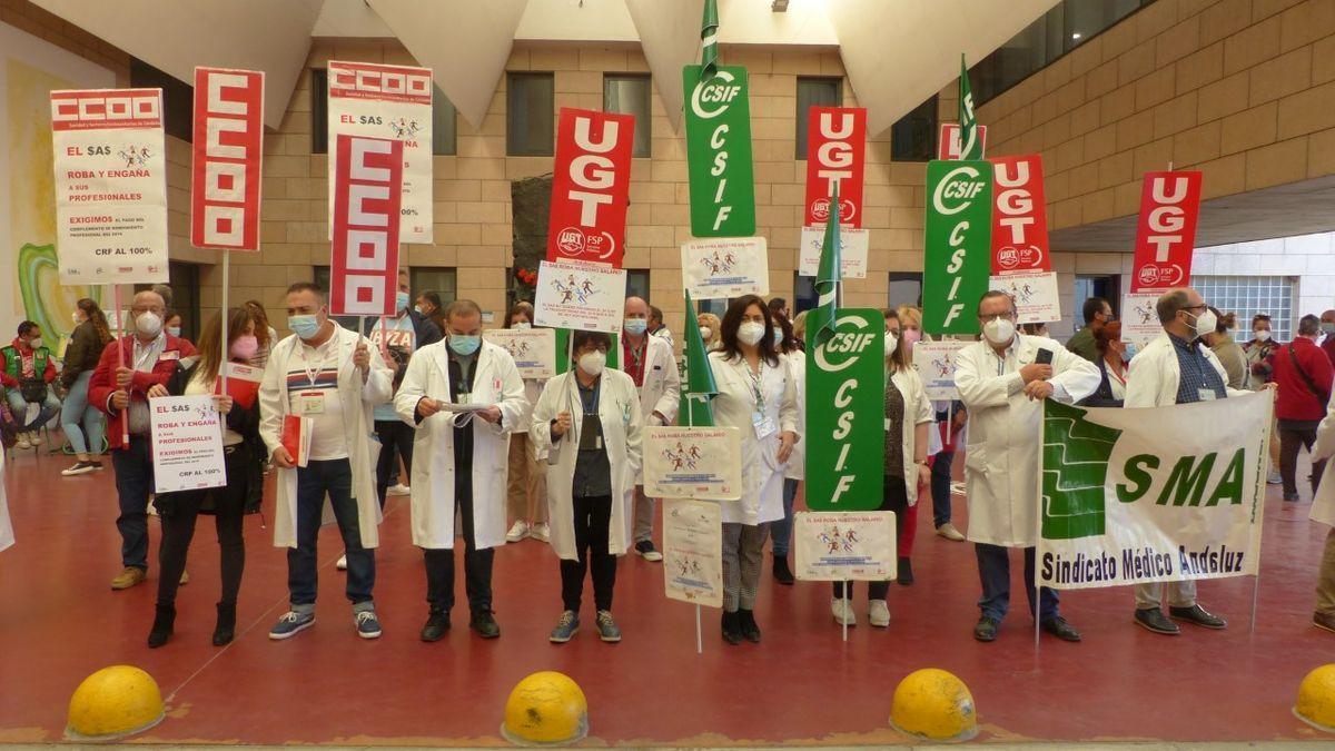Trabajadores sanitarios, durante una de las concentraciones.