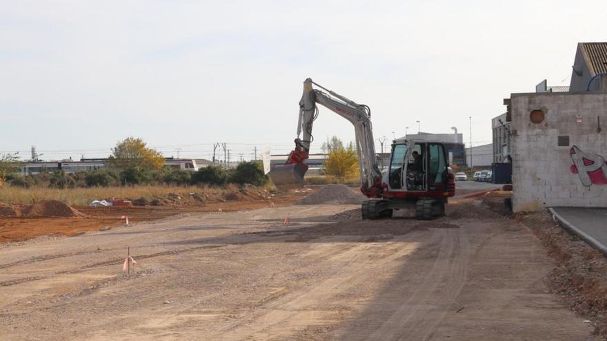 Albal construye un vial que conecta con la futura estación