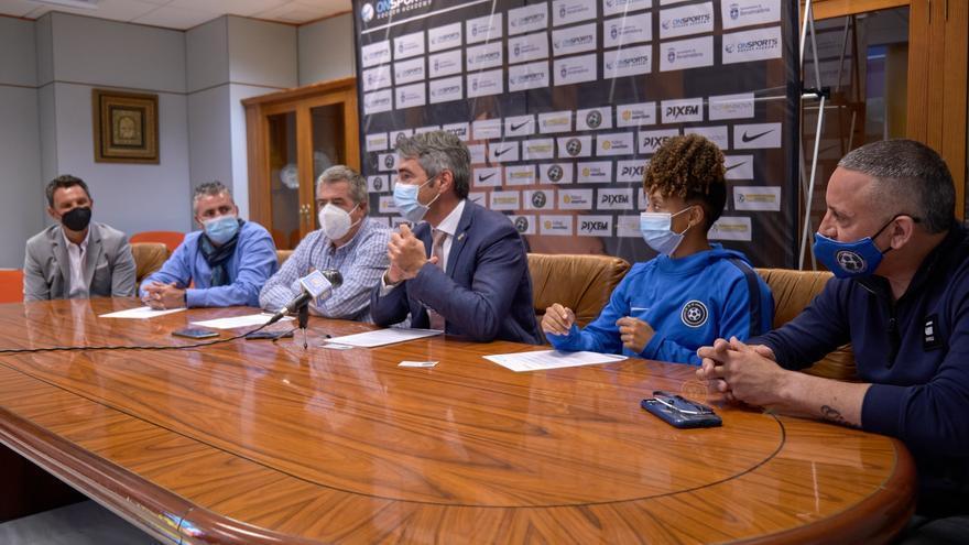 Una academia internacional de fútbol elige Benalmádena para establecerse