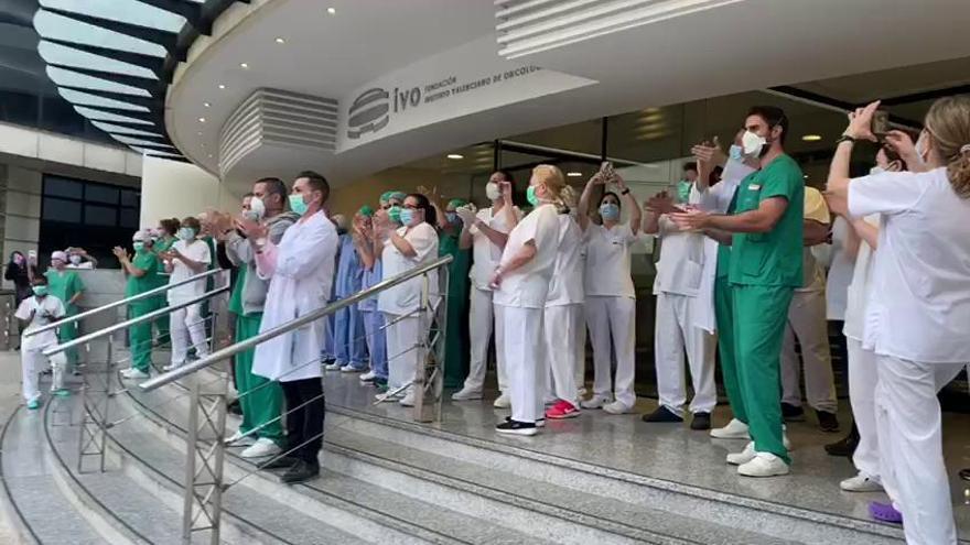 Aplauso a los profesionales sanitarios del IVO