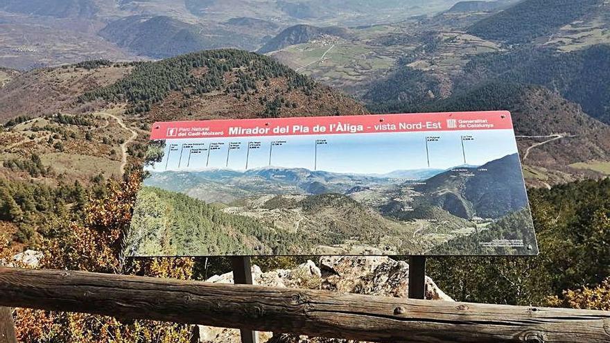 El parc del Cadí actualitza els rètols de panoràmica de la Ruta del Pla de l'Àliga