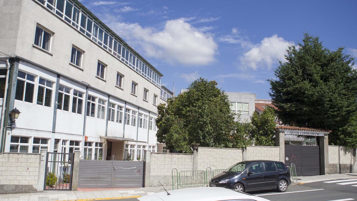 Vista general del Colegio Sagrado Corazón do Deza