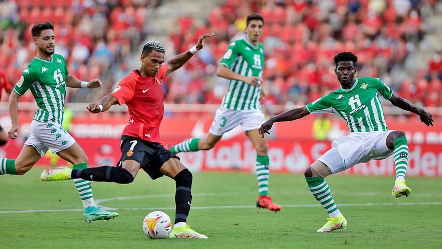 Wenige Fans, spielerische Überraschungen: So lief der Auftakt von Real Mallorca