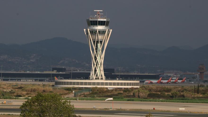 L'ampliació de l'aeroport del Prat, un debat que encara està pendent a Junts