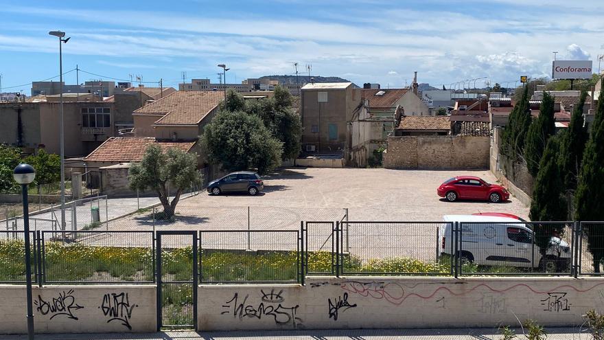 Mantenimiento y Obras mejora cien plazas de aparcamiento público en Benimagrell y Comtat de Fabraquer