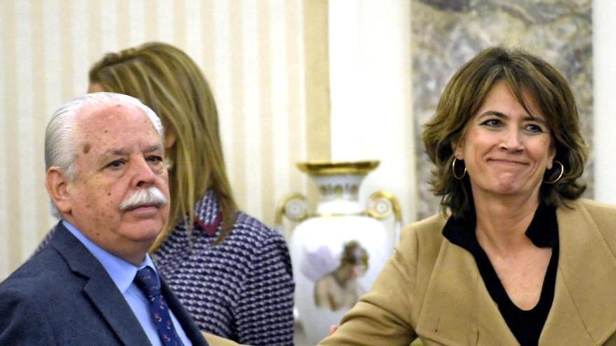 """Navajas pide perdón por sus acusaciones """"desafortunadas"""" contra un fiscal del 'caso Dina'"""