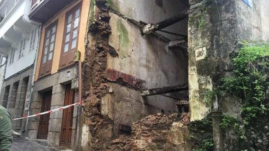 Cae de madrugada otra vivienda del casco histórico betanceiro tras años de abandono