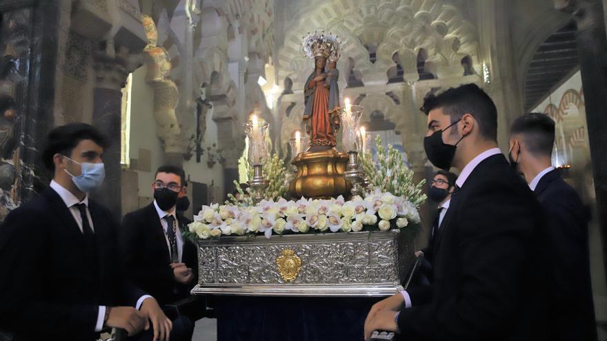 La Virgen de la Fuensanta preside el rezo del Vía Lucis en la Catedral