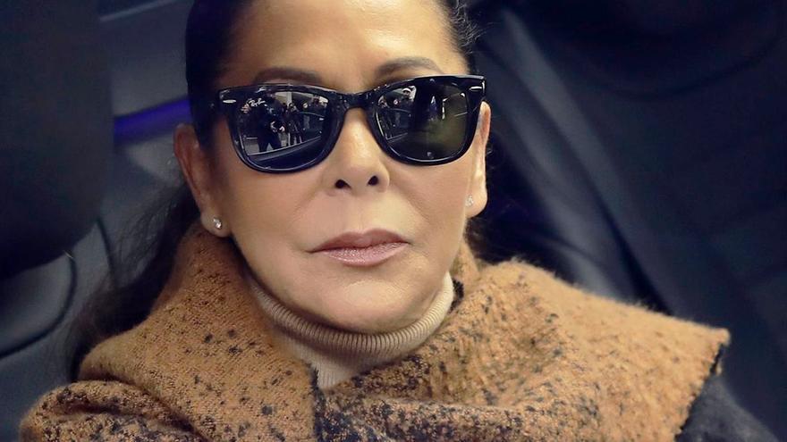"""El dramático mensaje de Kiko Rivera tras la muerte de su abuela: """"No me dejan ir a despedirme"""""""