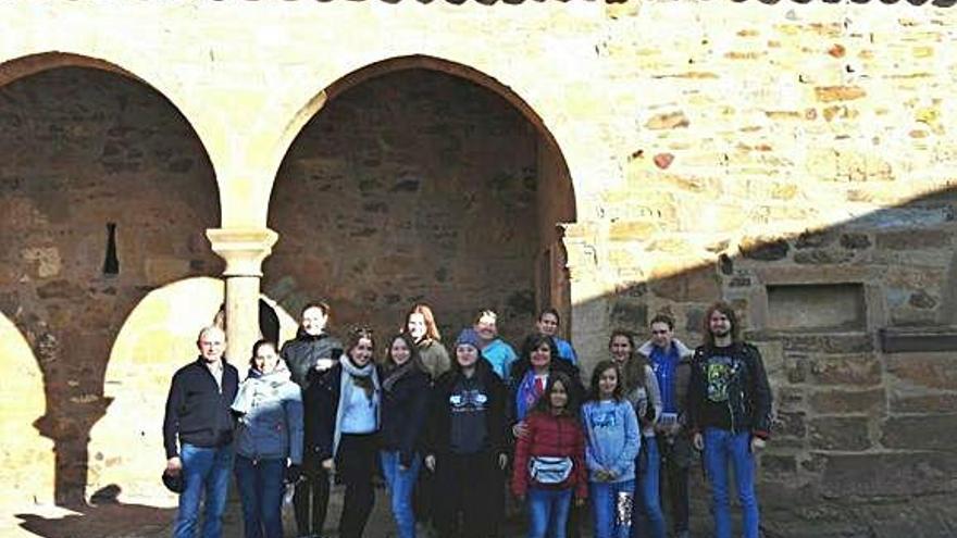 Universitarios alemanes visitan el Centro de Interpretación de los Beatos
