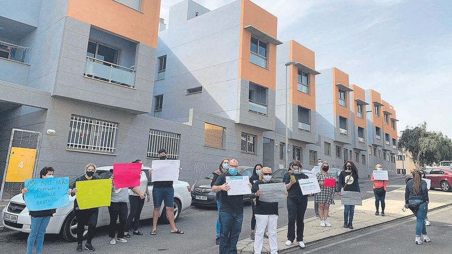 Una mujer denuncia que será desahuciada en Tenerife pese a estar al día en su renta
