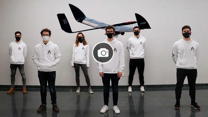 La primera aeronave no tripulada de la UVigo, lista para su ensamblaje