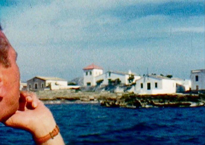 Skorzeny auf einem Boot vor der Küste von Alcúdia.
