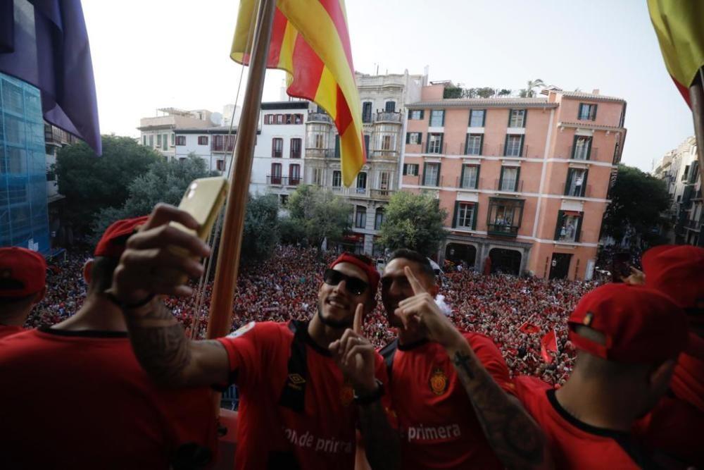 Real Mallorca feiert den Aufstieg mit seinen Fans