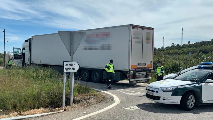 Investigan a un conductor de camión por conducir bajo los efectos de las drogas en Alcuéscar