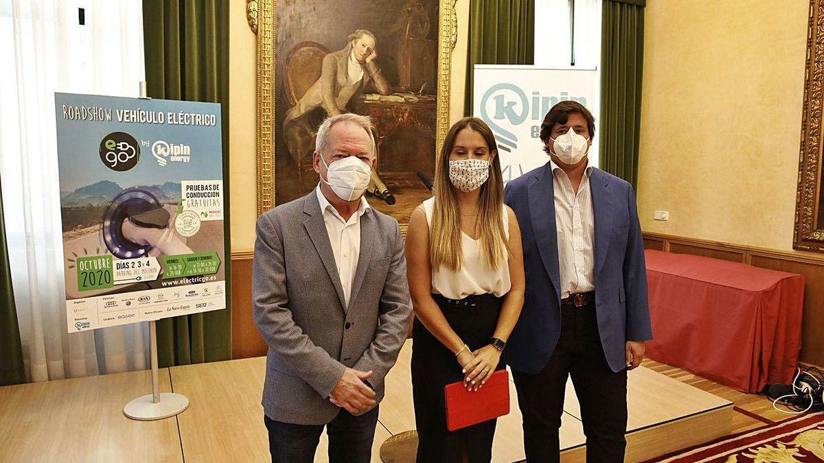 Por la izquierda, Aurelio Martín, Patricia Baragaño y Javier García, ayer, en la presentación del evento.
