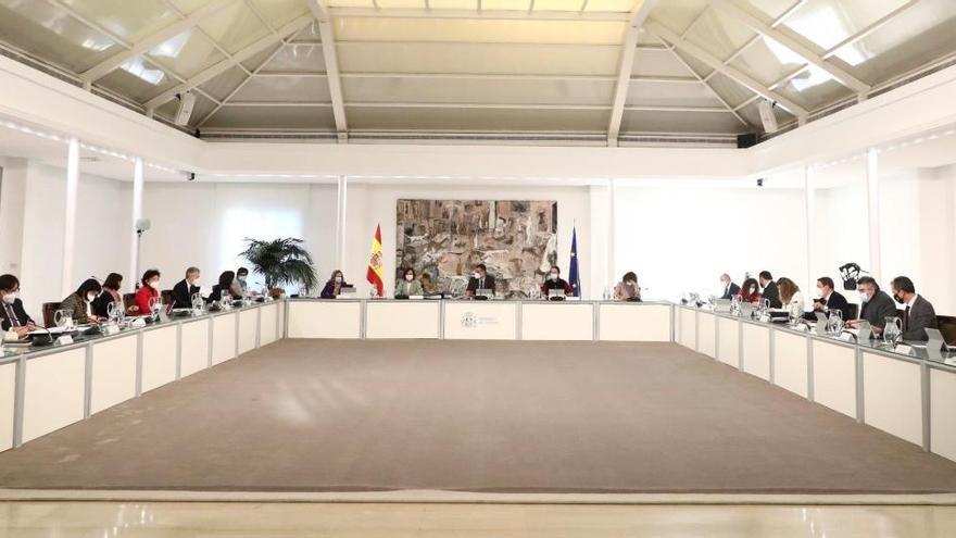 """El PSOE lamenta los """"improcedentes"""" ataques de Podemos pero descarta la ruptura del Ejecutivo"""
