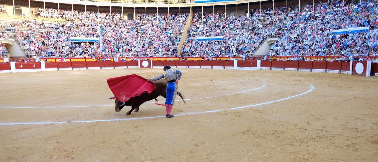 Un instante de un festejo taurino en Alicante, en 2019