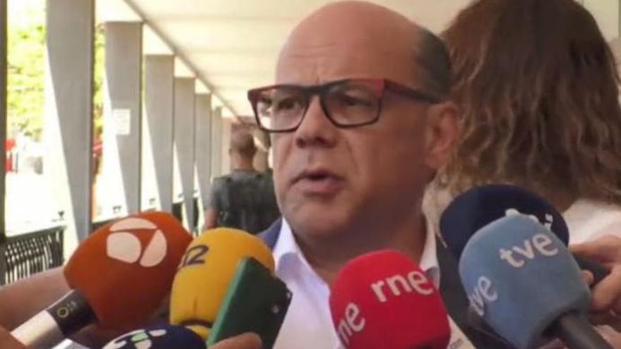 CC aguarda a las negociaciones para la investidura para decir su apoyo a Sánchez