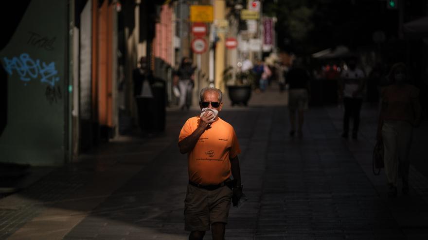 Los casos Covid en Tenerife no dejan de subir: un fallecido y 140 contagios este viernes